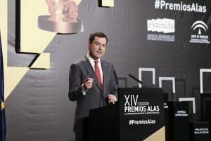 El presidente de la Junta de Andalucía, Juanma Moreno, durante su intervención en Premios Alas