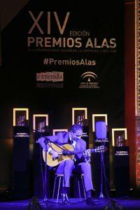 El guitarrista flamenco Diego del Morao durante su actuación en Premios Alas