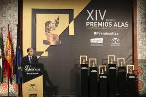 El consejero de Presidencia, Elías Bendodo, durante el discurso inaugural del acto de Premios Alas