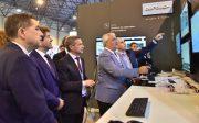 El consejero de Economía y Conocimiento en la inauguración oficial de ADM Sevilla 2018, visita el stan de la empresa andaluza Aertec