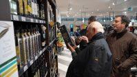 Firmas cooperativas agroalimentarias andaluzas visitaron ayer seis centros de distribución y mercados de Toronto